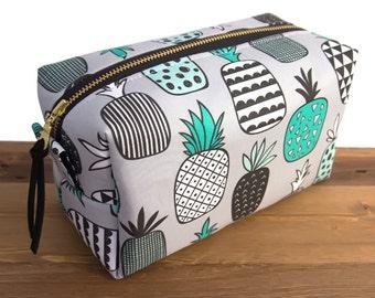 Pineapple Makeup Bag - Make Up Bag - Pineapple Gift - Large Makeup Bag - Makeup Organizer - Toiletry Bag - Cosmetic Bag - Large Dopp Kit #39