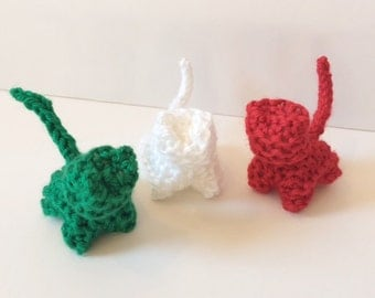 Christmas Hand Knit Kitten - Christmas Decorations - Waldorf Toys - Stocking Stuffers - Pretend Play Toy - Green, White, Red  - Set of 3