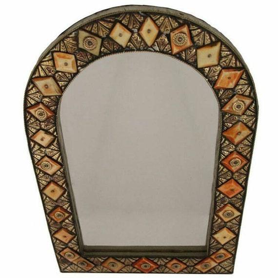 Miroir marocain fabriqu s la main de fer forg et les os 44 for Miroir marocain