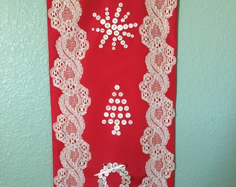 Christmas Button & Lace Wallhanging