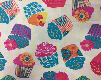 """LARGE, BRIGHT CUPCAKES/Bold Colors/Contemporary Print/JoAnn Exclusive/1-1/2 Yards x 43"""""""