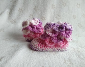 Booties, Baby boots, Winter shoes, newborn gift, Baby Shower for her, New Mom present, crochet boots,stitch crocodile, slippers,first outfit