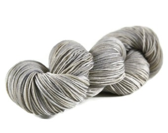 Sport Yarn, Merino yarn, sport weight yarn, superwash wool yarn, 100% Superwash Merino, gray, silver, grey yarn, merino sport - Dove