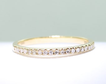 18ct yellow gold and 20 diamond wedding band  solid gold Certified FGAA