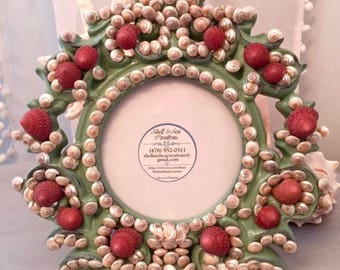 Gorgeous Seashell 4x4 Round Picture Frame--Great beach wedding gift!