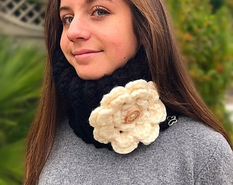 Women's snood/statement snood/women's crocheted snood with floral design/winter accessories/winter fashion/handmade crochet snood/gift ideas
