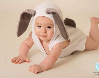 Baby Boy/Girl WhiteBunny Style Romper/Photo Shoot Photographers Prop,long bunny ears and front pocket,with tail at the back.Sitter/Newborn