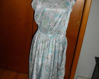 1970's Cap Sleeve Dress With Multi Color Design