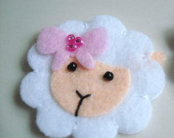 Felt sheep keychain lamb felt accessories eco friendly gift for him gift for her key holder felt animals Christmas gift Baby shower