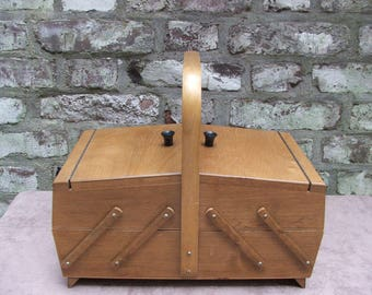 MidCentury vintage 50s 60s little  sewing box accordion fold out cabinet jewelry organizer