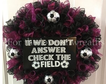 Soccer wreath (can be customized with any team colors/sports)