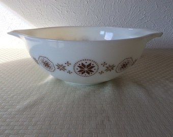 Vintage Pyrex Town and Country 4 qt #444 Cinderella Bowl