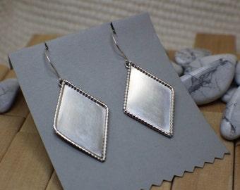 Silver Statement Diamond-shaped Earrings