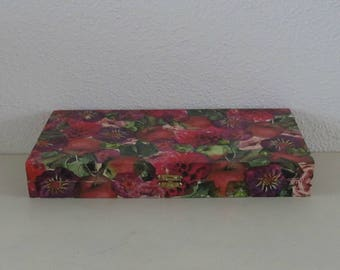 Wooden box autumn flowers 2