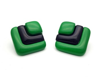 Modern Large Square Losange Green and Black Stud Earrings Vintage from the 80s Hard Plastic Geometric Costume Jewelry Abstract