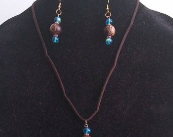 Blue glass and Brown wood Jewelry Set