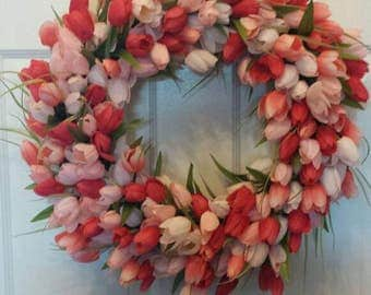 Tulip wreath / spring wreath / front door wreath / holiday wreath / summer wreath / pink and coral wreath/ door wreath
