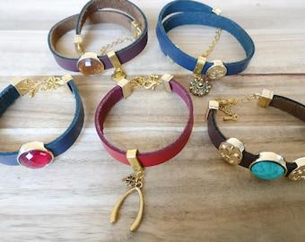 Leather bracelet, bracelet with charm, bracelet with cabochon