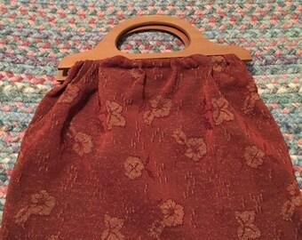 Wooden handle carpet purse