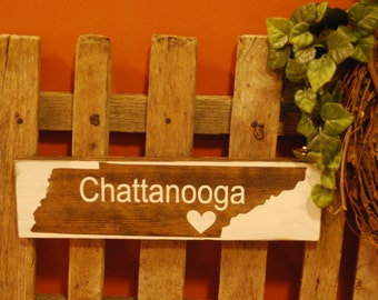 Rustic Distressed Chattanooga Tennessee Sign with Heart