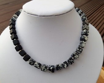 Cube necklace black white