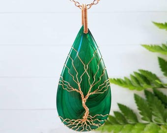 Ravishing Green Agate Necklace, Copper Wire Wrapped Tree of Life Pendant, Healing Crystal, Boho Jewelry, long Agate Necklace, Gift For Her
