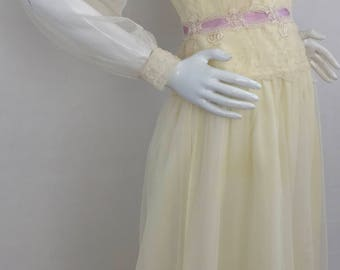 Vintage Lace A-Line Dress/Canary Yellow with Lavender Ribbon/Size 4-Small