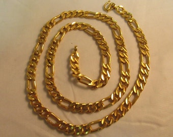 """22K Solid 91% Gold Figaro Chain Necklace  - 23"""" Long -  #792"""