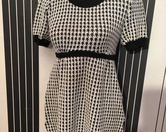 1950s tea dress size s/m checked print Tara starlet