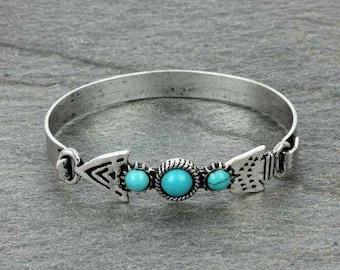 The Lannie arrow bracelet