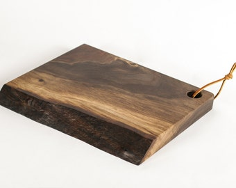Live Edge Walnut Cutting Board // Cutting & Serving Boards// Custom Walnut Serving Boards // Wedding Gifts // Christmas Gift