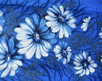 Lots of Blue and White Bold Flower,  Unused Retro Material, Flower Power, c 1960s, Vintage Curtian Projest Fabric
