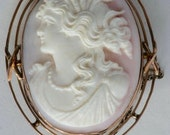 Cut pink cameo with Golde...