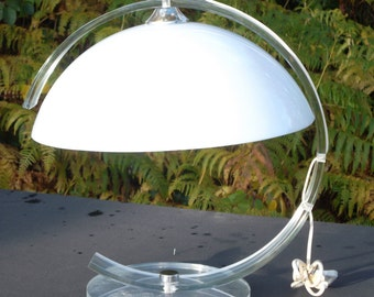 vintage French/Italian 1970's Perspex table lamp (P2900)