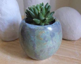 Small pot ceramic green and gray