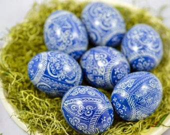 6 wooden eggs-Pysanky-Easter egg color blue-white