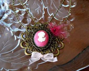 Cameo necklace pink and beige, renaissance, Victorian, neo-romantic, watermark under a cabochon, feather, knots of satin