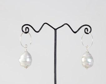 Large earrings Baroque pearls