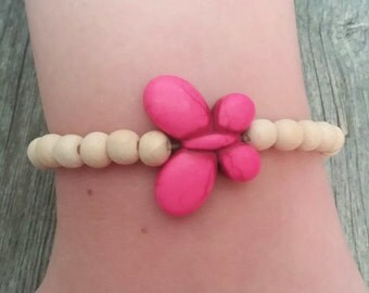 Stretchy beaded bracelet with pink butterfly, butterfly bracelet, handmade beaded bracelet, beaded butterfly bracelet, beaded bracelet