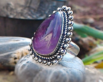 The softness of the Amethyst ring in 925 Silver non-adjustable size French 57.75 or 8.75 Us
