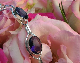 Amethyst promotes spiritual growth, concentration and meditation.