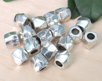 Faceted metal beads, set of 10, Spacer beads, 8mm beads, silver tube beads, faceted silver beads, silver spacers, tube beads, bracelet beads