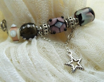 BROOCH/CLOTH CLIP with lampwork beads
