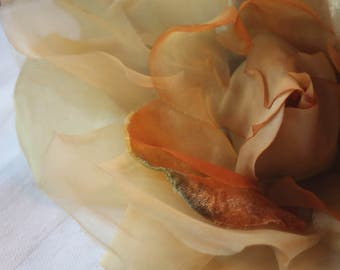 Huge vintage 40s veiling and velvet rose,Antique flowers,Victorien flower,Vintage yellow antique flowers,millinery vintage silk flowers