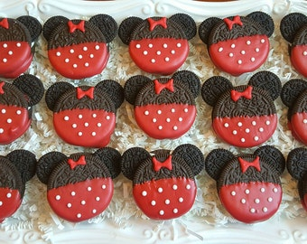 24 Red Minnie Mouse Oreo Cookies