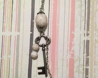 Howlite & Skeleton Key Necklace