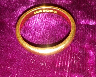 22ct gold ring size P 1/2