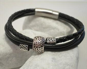 3-ply black silver metal Bead Bracelet