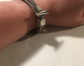 Grey suede and silver plate bracelet
