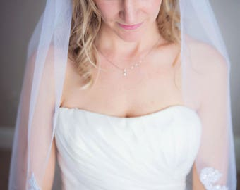 Ivory wedding veil, lace wedding veil, veil, fingertip veil